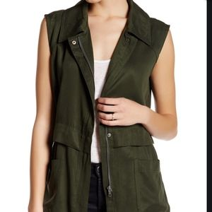 Cupcakes and Cashmere Collared Front Zip Vest